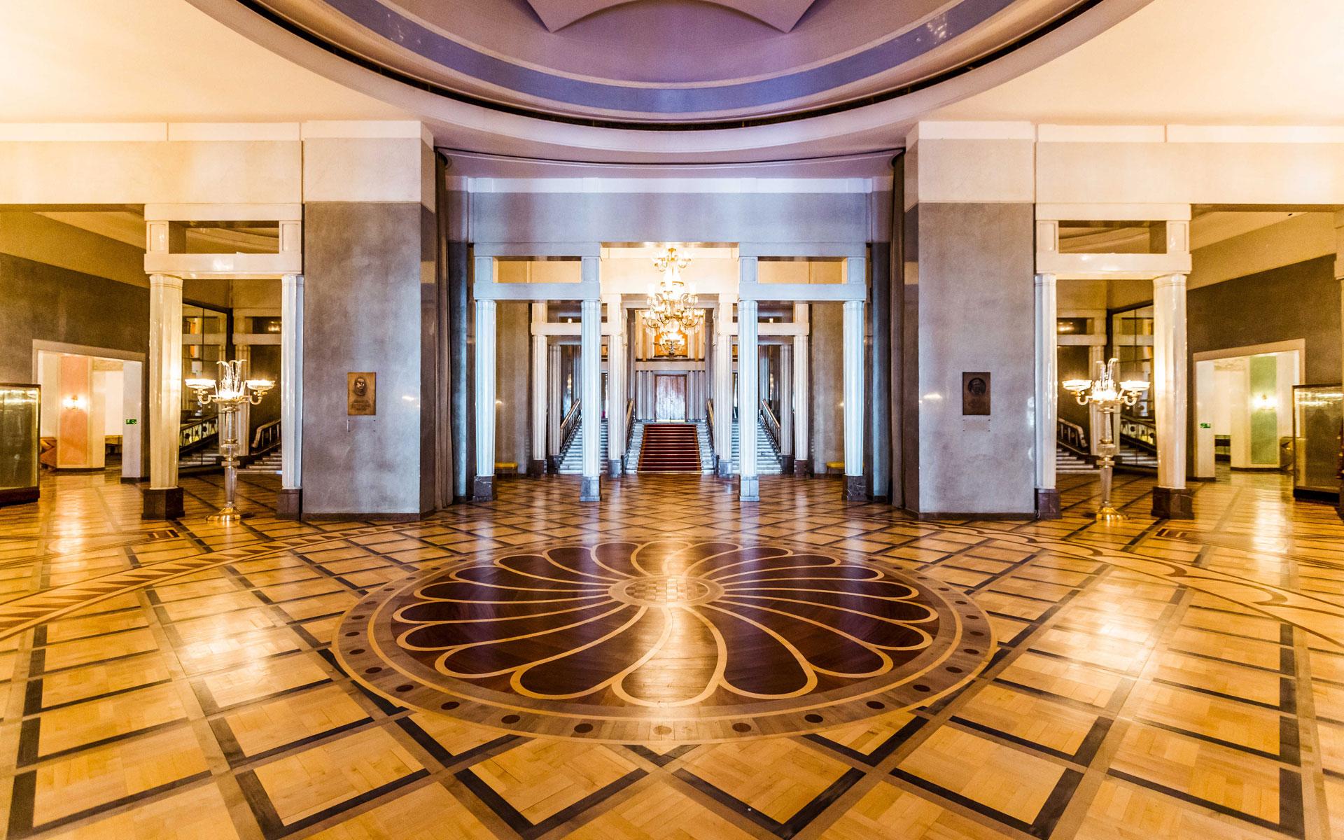 Foyer Teatr Wielki Opera Narodowa